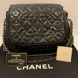 RARE Chanel Quilted Caviar CC medium shoulder bag